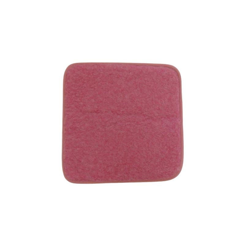 Podsedák na židli z ovčí vlny 40x40cm růžový  www.vyrobkyzovcivlny.cz