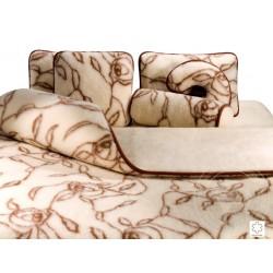 Deka 200x220 cm jednostranná z ovčí vlny HIT dekor růže www.vyrobkyzovcivlny.cz