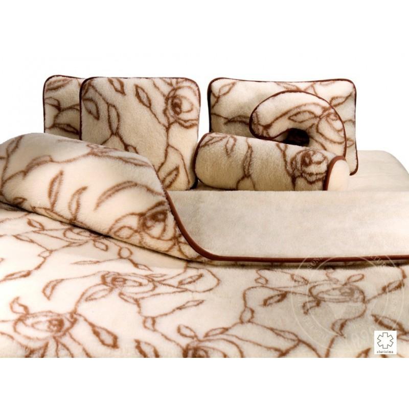 Polštář z vlny merino 70x80 cm dekor růže www.vyrobkyzovcivlny.cz