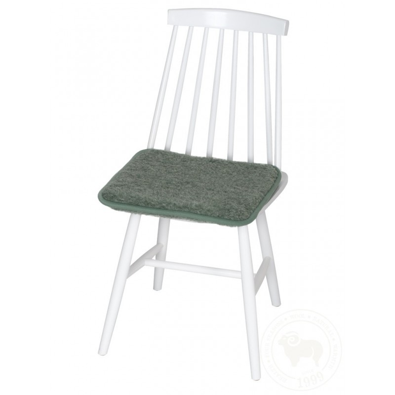 Podsedák na židli z ovčí vlny 40x40cm tmavě šedý www.vyrobkyzovcivlny.cz